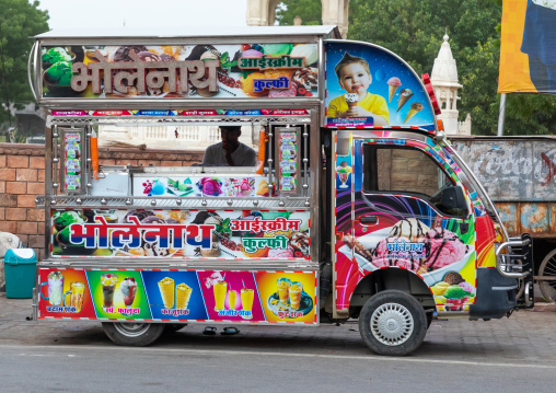 Ice cream and juices colorful truck, Rajasthan, Bikaner, India