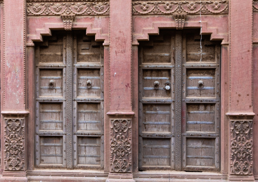 Beautiful wodden doors of a haveli in the old city, Rajasthan, Bikaner, India
