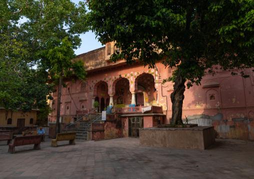 Indian temple entrance, Rajasthan, Jaipur, India