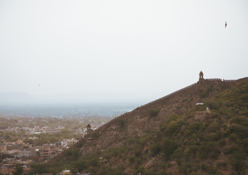 The long wall surrounding Amer fort, Rajasthan, Amer, India
