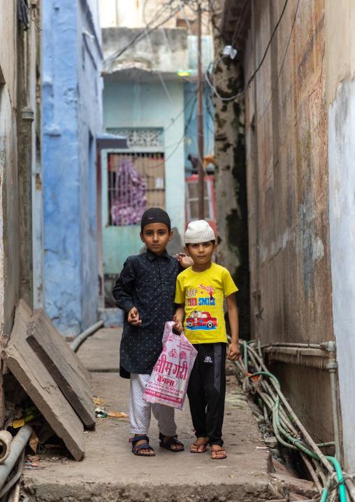 Indian muslim boys in the street, Rajasthan, Bundi, India