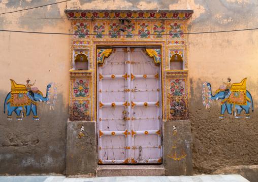 Decorated door of a haveli, Rajasthan, Jodhpur, India