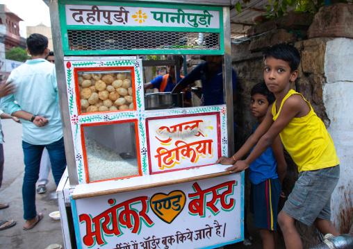 Panipuri for sale in the street, Rajasthan, Jodhpur, India