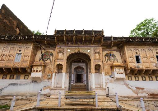 Old historic haveli door, Rajasthan, Nawalgarh, India