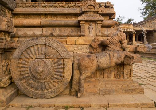 Rock Cut Carving Of The Horse Drawn Chariot Onto The Mandapam In The Airavatesvara Temple, Darasuram, India