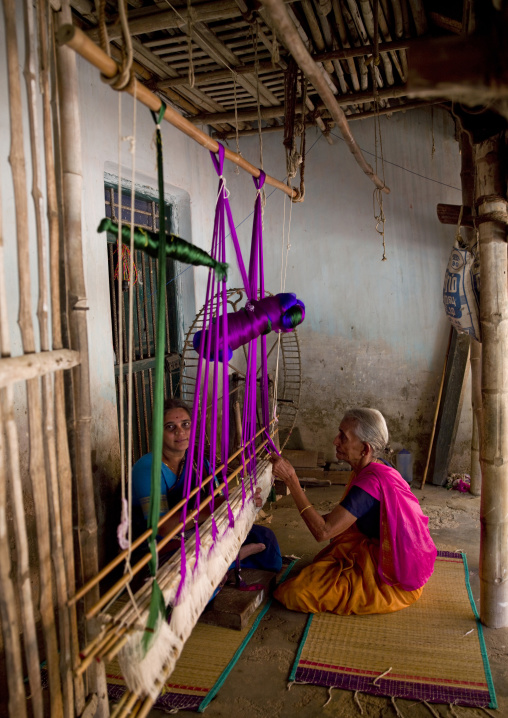 Sitting Ladies Making Sarees With An Traditional Wooden Weaving Loom, Kumbakonam, India