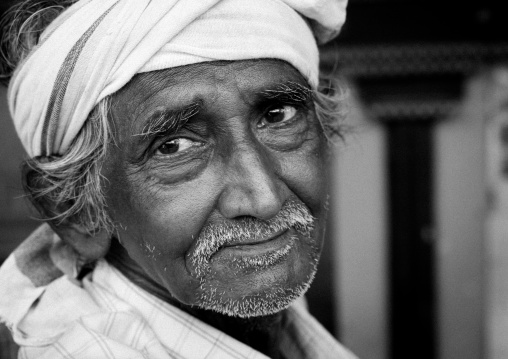 Old Indian Wearing A Turban With A Melancholic Look, Madurai, India