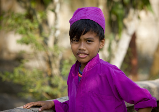 Muslim boy in madrassa, Madura island  island indonesia