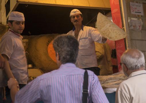 Baker in tajrish bazaar, Shemiranat county, Tehran, Iran