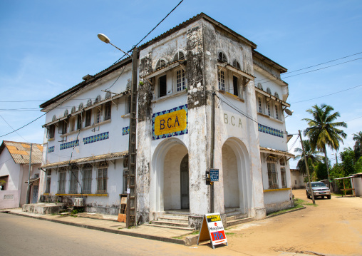 Old french colonial building formerly the Banque Centrale Africaine in the UNESCO world heritage area, Sud-Comoé, Grand-Bassam, Ivory Coast