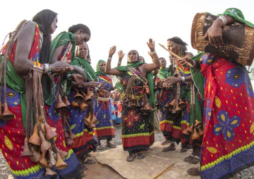 Gabbra tribe woman dance, Turkana lake, Loiyangalani, Kenya