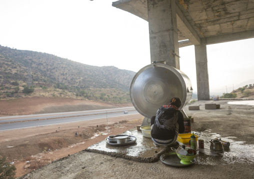 Yazidi Refugees From Sinjar Living In An Under Construction Building, Duhok, Kurdistan, Iraq