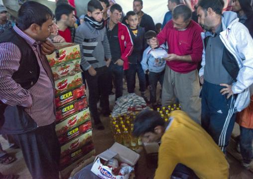 Yezedi Refugees From Sinjar Sharing Food, Duhok, Kurdistan, Iraq