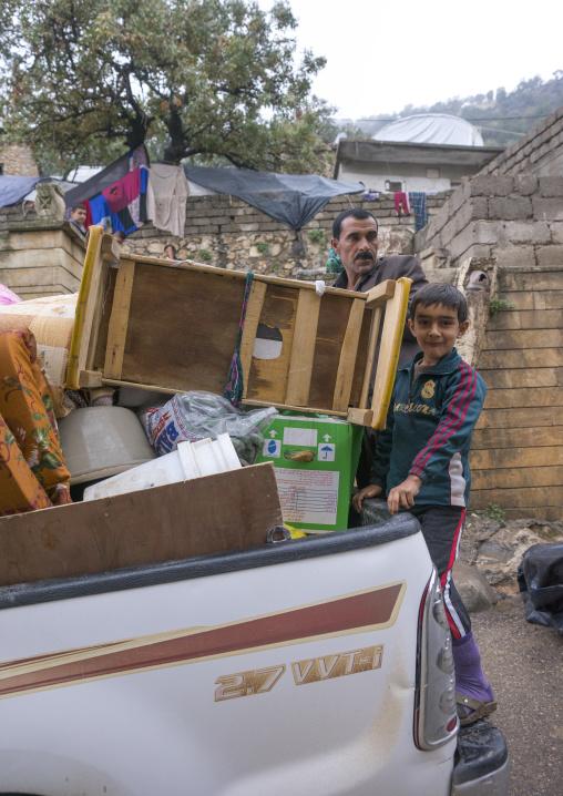 Iraqi Yazidis Fleeing From Sinjar To Lalesh, Kurdistan, Iraq
