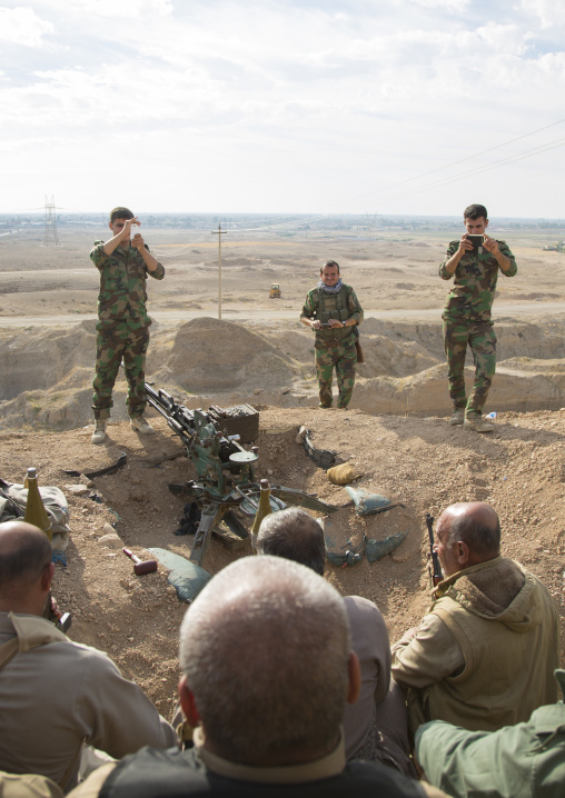 Kurdish Peshmergas On The Frontline Taking Photos Souvenirs, Kirkuk, Kurdistan, Iraq