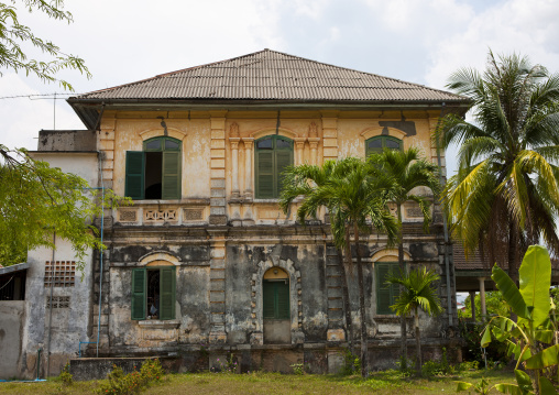 Old colonial house, Phonsaad, Laos