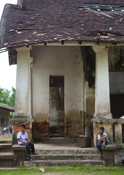 Old colonial school, Ddon khong island, Laos