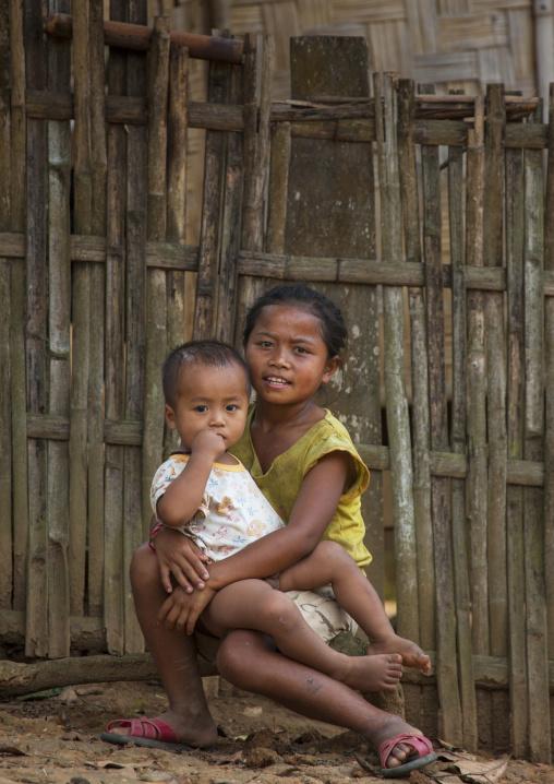 Khmu minority kids, Xieng khouang, Laos
