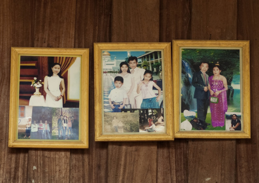 Lao lum people souvenir pictures, Houei xay, Laos