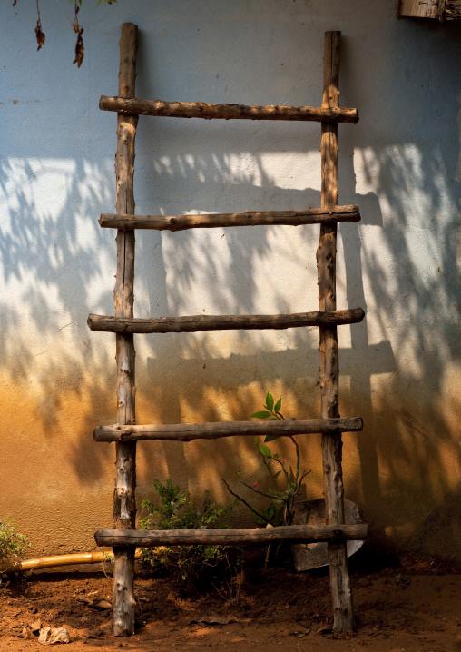 Ladder on a house, Ban xay leck, Laos