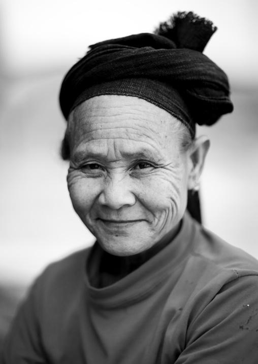 Old phou noy woman, Muang sing, Laos