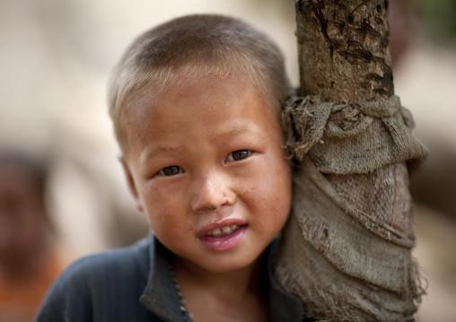 Hmong minority blonde kid, Muang sing, Laos