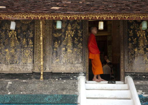 Monk in vat xieng thong temple, Luang prabang, Laos