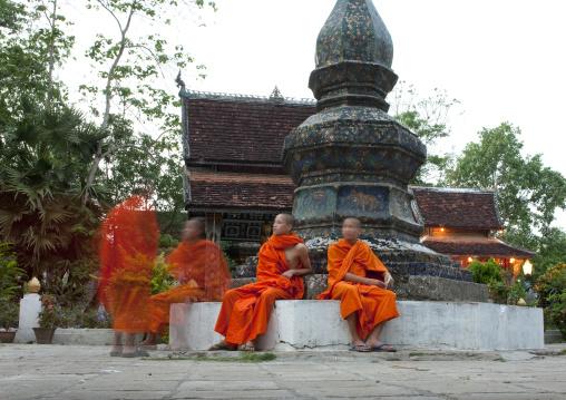 Monks in temple vat xieng thong, Luang prabang, Laos