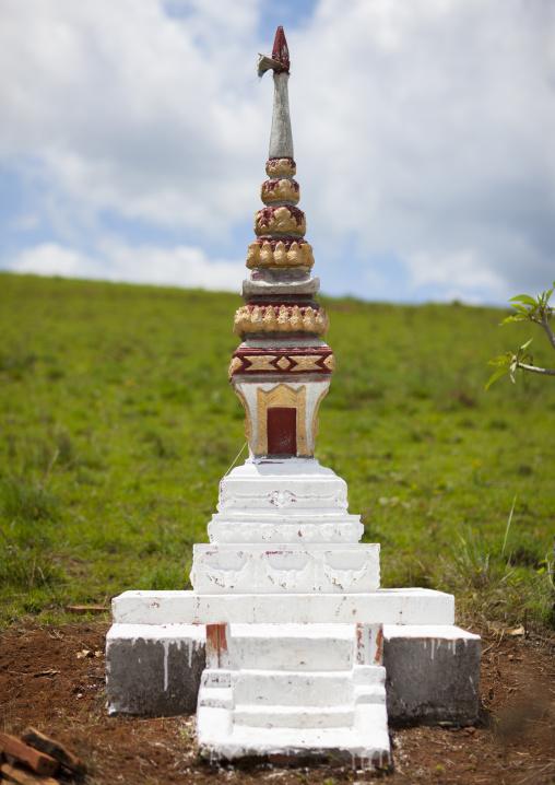 Grave in a field, Phonsavan, Laos