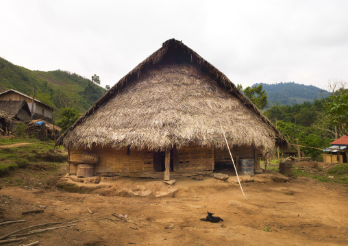 Lantaen thatch house, Nam deng, Laos
