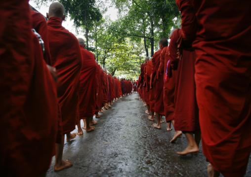 Monks Luncht At Mahagandayon Monastery In Amarapura, Myanmar