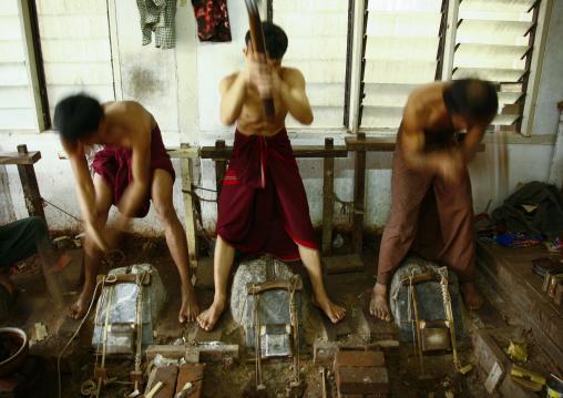 Gold Leaf Makers,mandalay, Myanmar