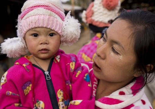 Mother And Her Daughter, Mindat, Myanmar