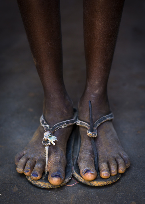 Mucawana Tribe Girl Who Put Pen Ink On Her Toenails, Ruacana, Namibia