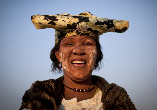 Herero Woman Dressed In Traditional Victorian Style, Opuwo, Namibie