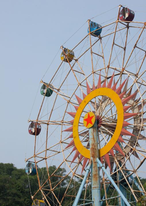 Old big wheel in Taesongsan funfair, Pyongan Province, Pyongyang, North Korea