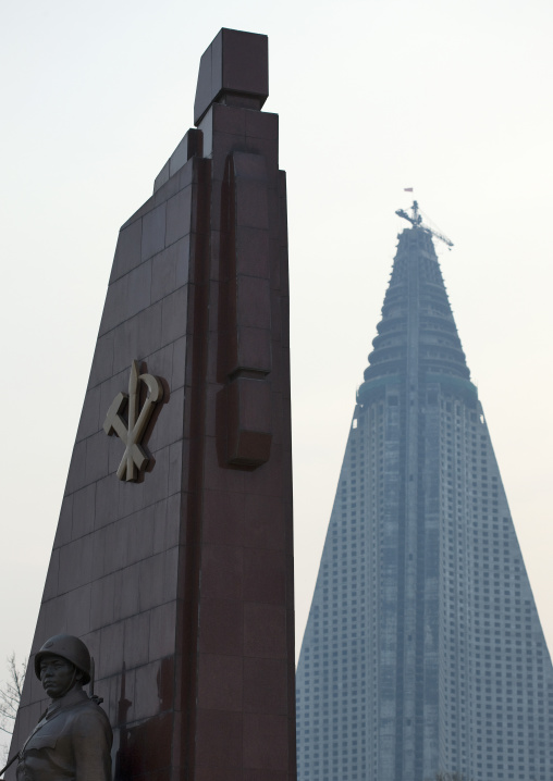 Ryugyong hotel and party's worker monument in the victorious fatherland liberation war museum, Pyongan Province, Pyongyang, North Korea