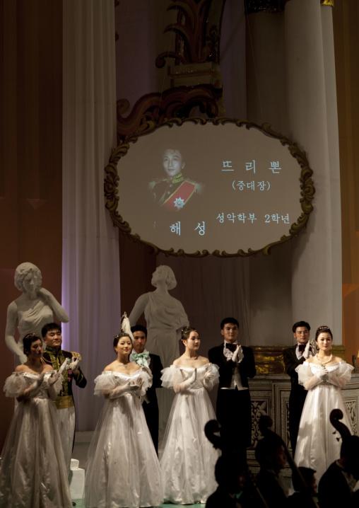 North Korean artists performing eugene oneguine alexandre pouchkine's opera, Pyongan Province, Pyongyang, North Korea