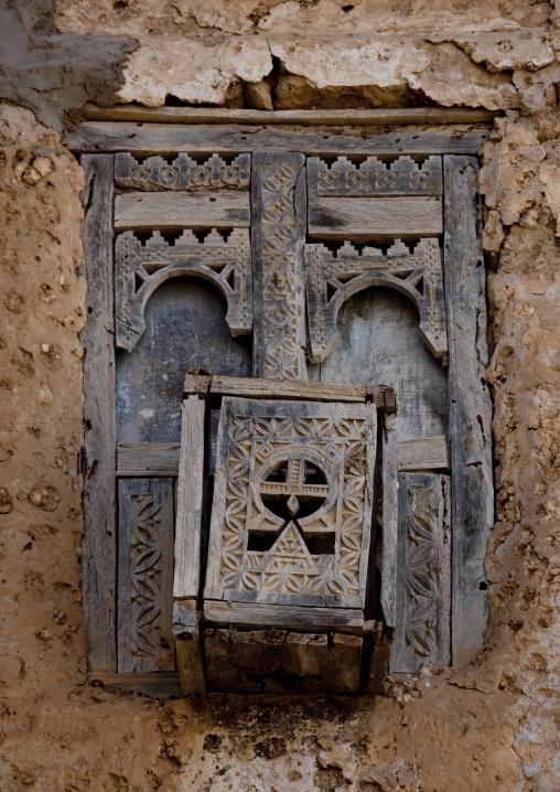 Ruined Mashrabiya, Mirbat, Oman