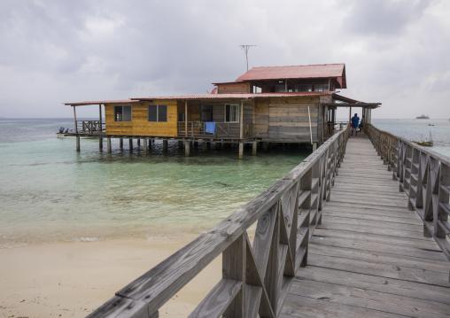 Panama, San Blas Islands, El Porvenir, Wailidup Kuna Lodge