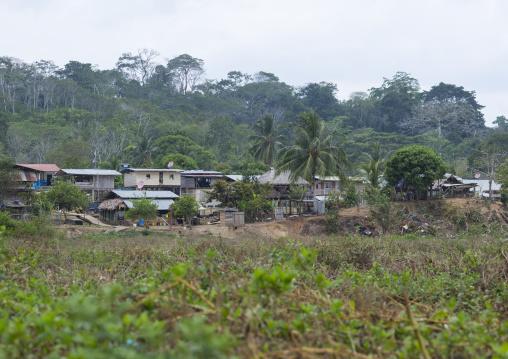 Panama, Darien Province, Bajo Chiquito, Embera Tribe Village In The Rain Forest