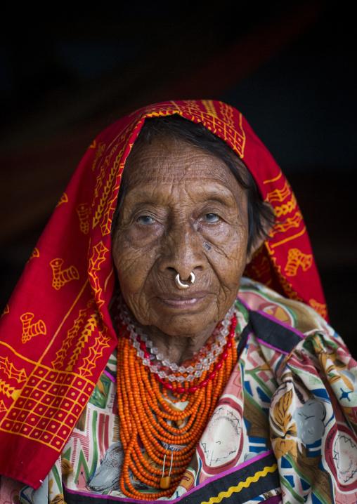 Panama, San Blas Islands, Mamitupu, Portrait Of An Old Kuna Tribe Woman