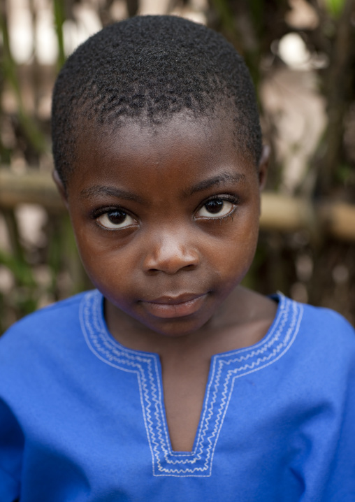 Batwa tribe girl, Western Province, Cyamudongo, Rwanda