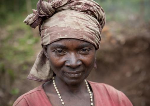 Rwandan woman wirth coal on her face, Western Province, Cyamudongo, Rwanda