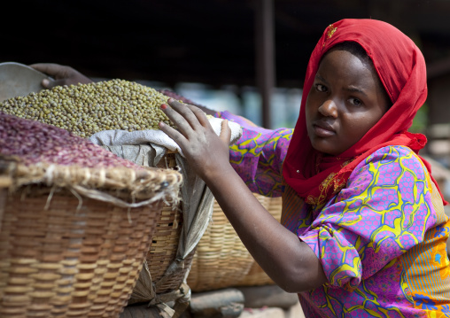 Rwandan woman working in the market, Kigali Province, Kigali, Rwanda