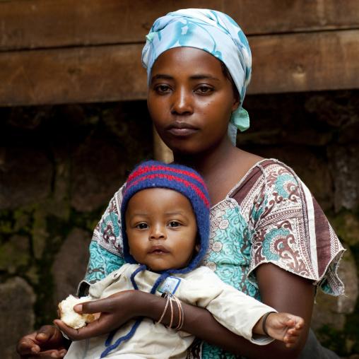 Rwandan mother with her child, Kigali Province, Kigali, Rwanda