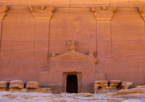 Qasr al-Farid tomb of Lihyan son of Kuza entrance in Madain Saleh, Al Madinah Province, Alula, Saudi Arabia