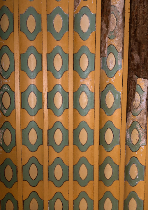 Al Kateb house painted pillar, Mecca province, Taïf, Saudi Arabia