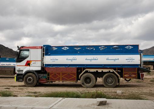 Water tanker truck, Mecca province, Taïf, Saudi Arabia