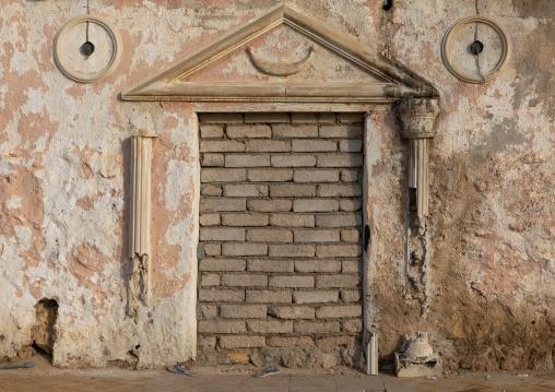 Old house condemned door, Red Sea, Farasan, Saudi Arabia